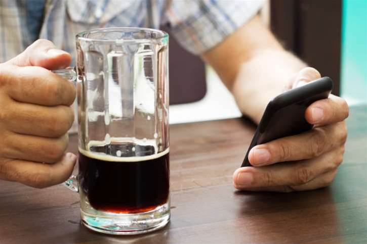 Pub punters can pay for beers, bets using their phone