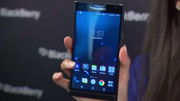 BlackBerry Priv wins praise, but price tag questioned