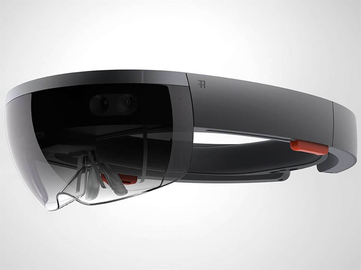 You can stream Xbox One games into Microsoft's HoloLens