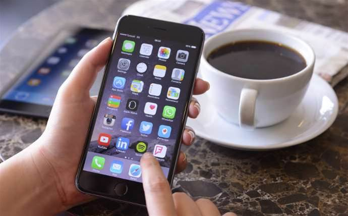 Apple in ACCC's sights over bricked iPhones