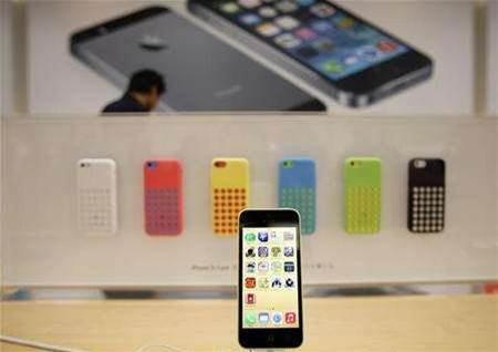 Apple to slow production of iPhone 5C