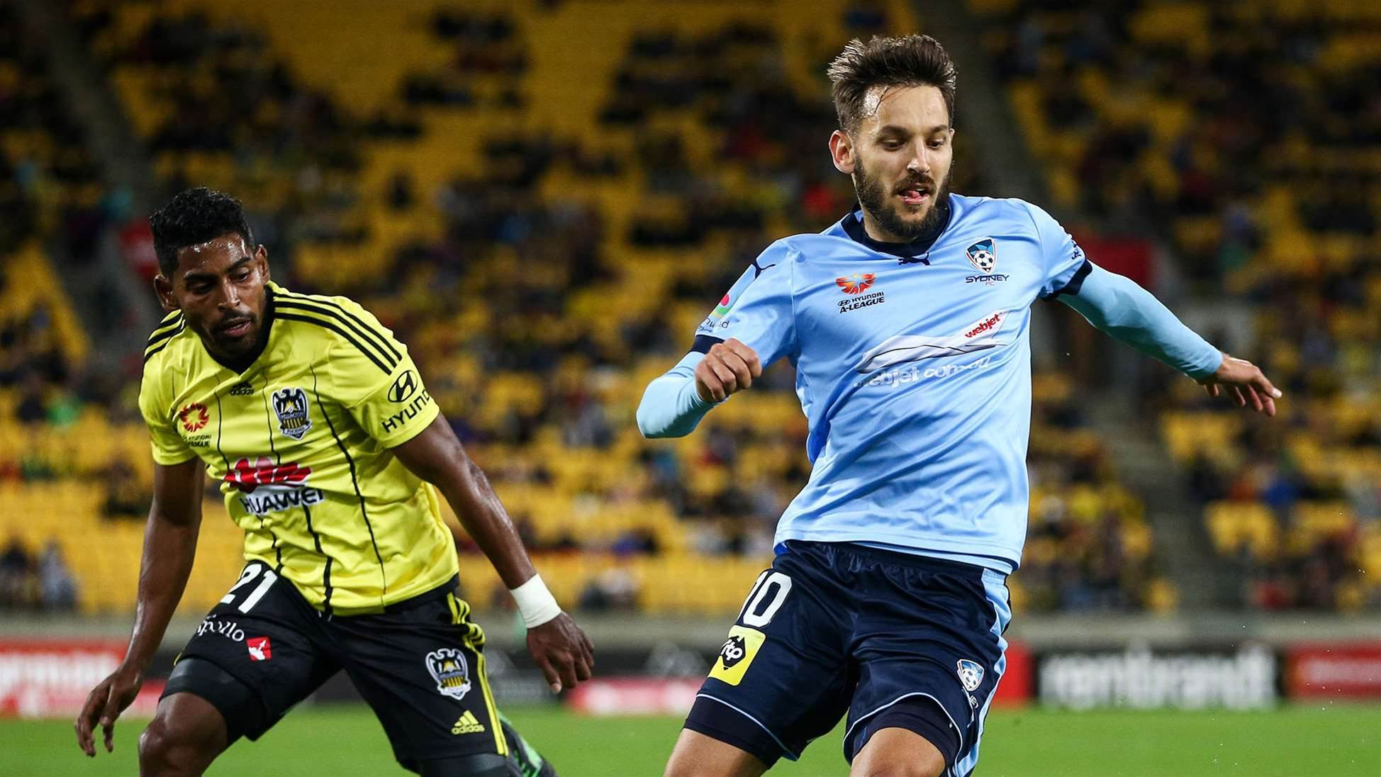 Sydney strike late to stun Nix