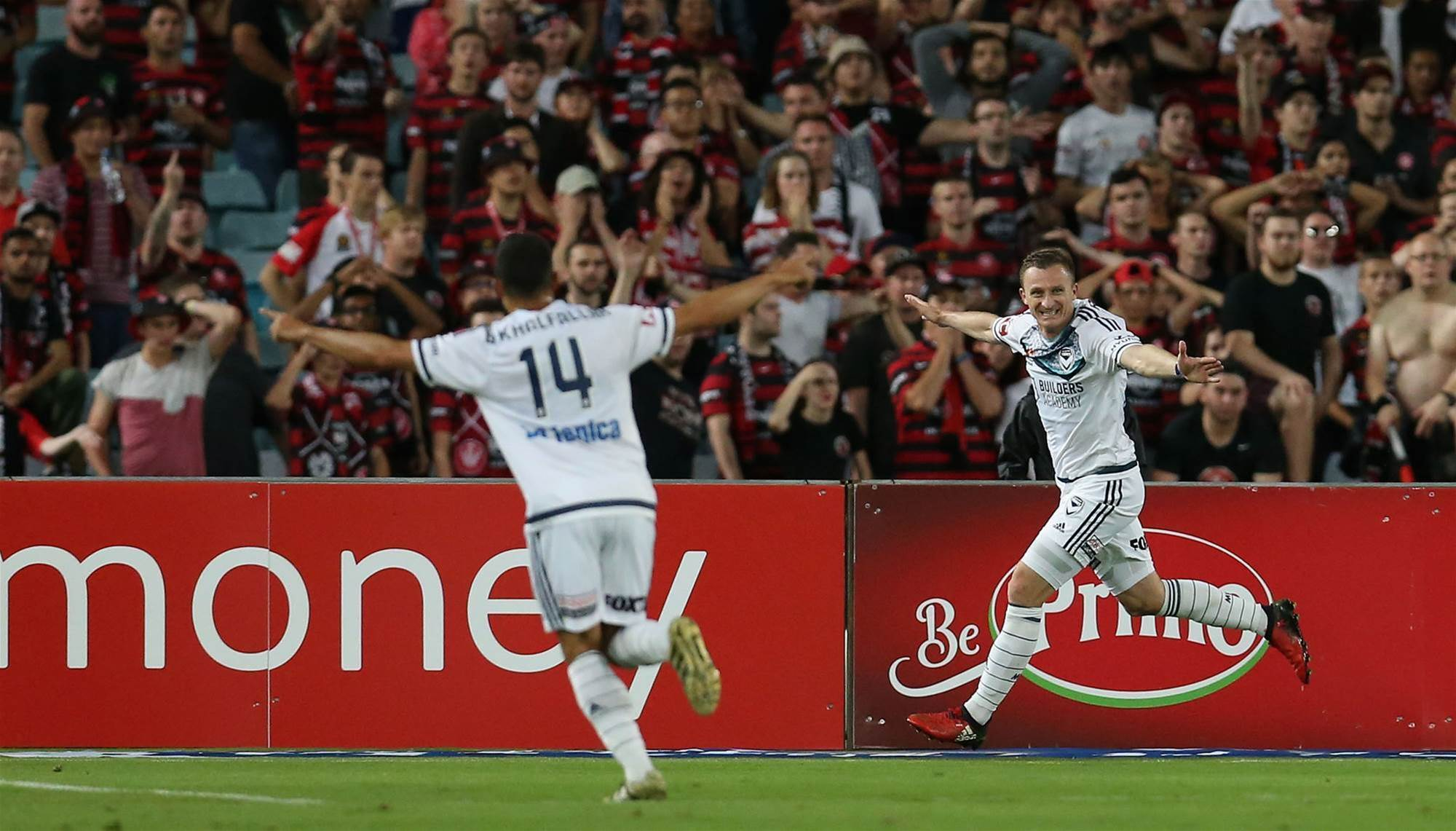 Berisha hat-trick blows away Wanderers