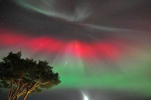 Gallery: Last Night's Auroras as They Appeared from Across the Hemisphere