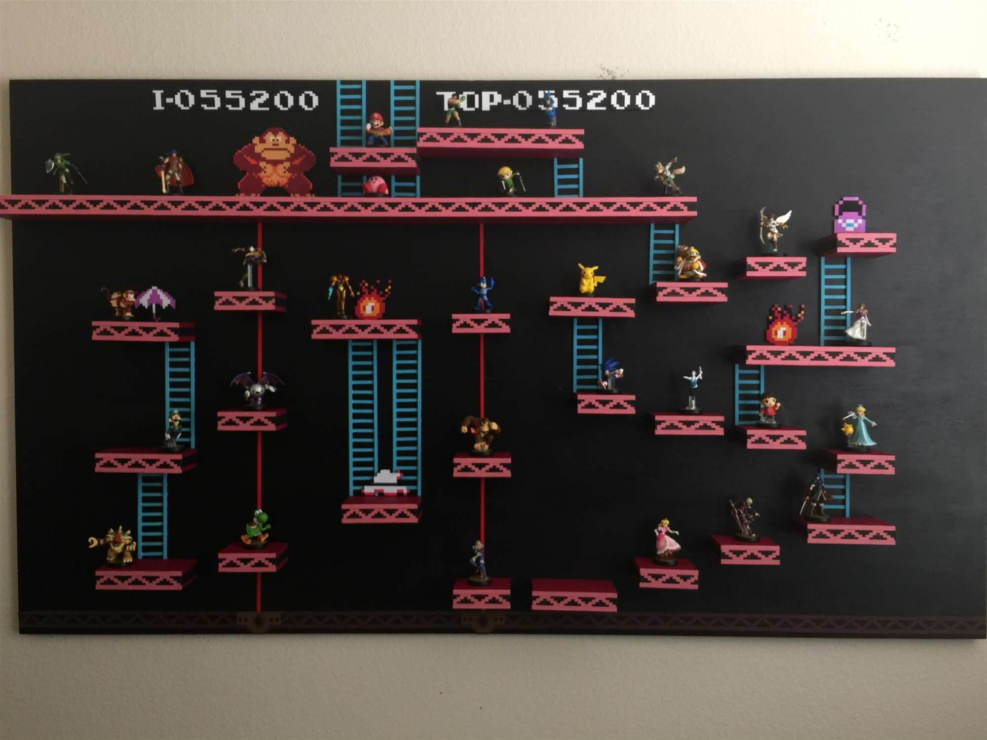 This guy built his own Donkey Kong Amiibo shelf