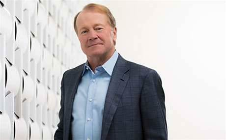 Cisco's John Chambers steps down as CEO