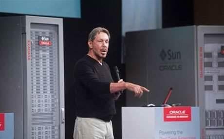 Oracle's Larry Ellison steps down