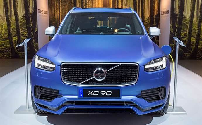 Volvo, Uber sign $400m alliance to create self-driving car