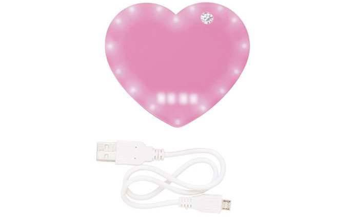 Australian retailer recalls heart-shaped iPhone chargers