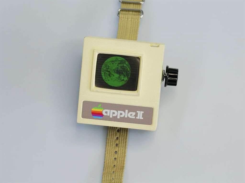 Retrofuturistic Apple watch is 3D printed