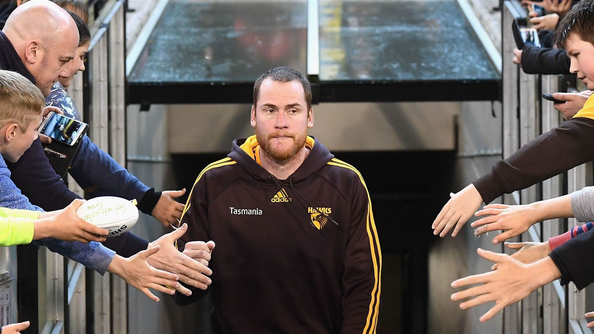 Roughead given Hawks captaincy after beating cancer