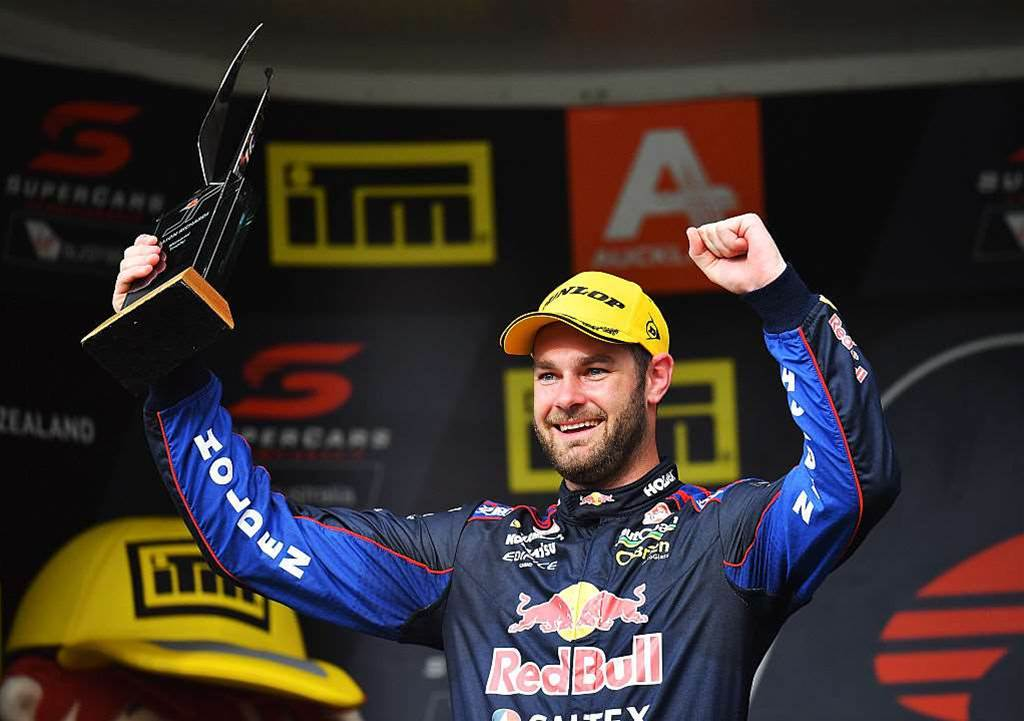 Van Gisbergen closes in on Supercars crown
