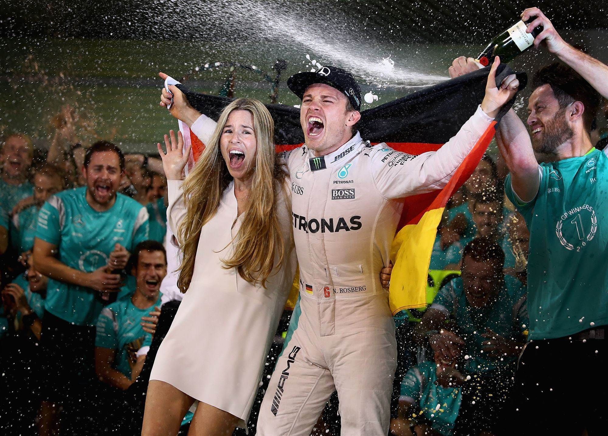 Rosberg announces shock retirement