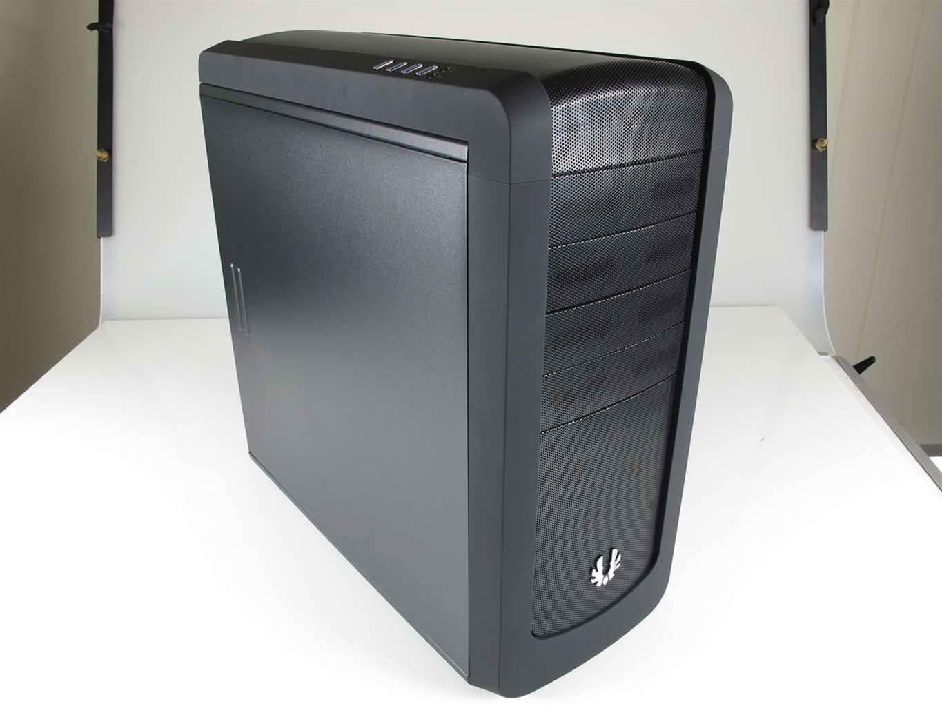 Bitfenix's Raider case gets three thumbs up