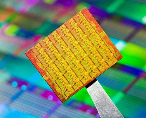 Intel unveils 50-core supercomputing processor