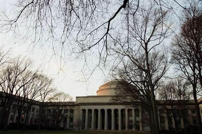 MIT puts free programming course online