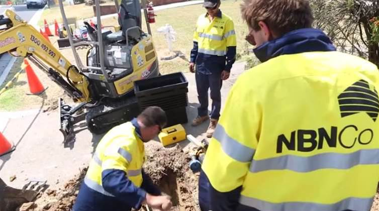 Video: Turnbull shows NBN fibre rollout still moving