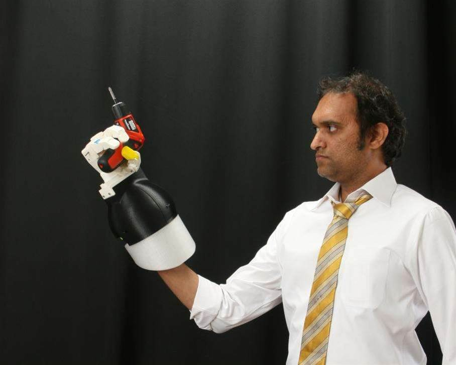 New Robotic Hands Let Deep-Sea Divers Grasp And Prod