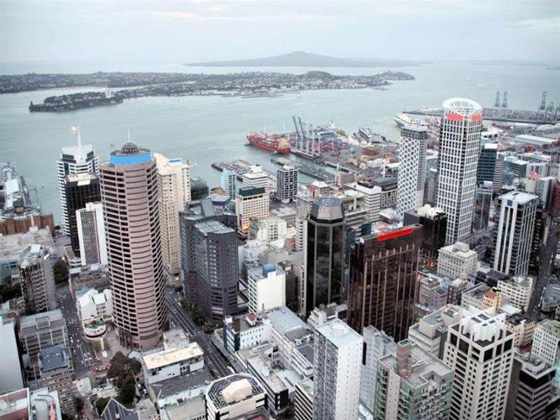 Telecom NZ prepares thinner, fibre future