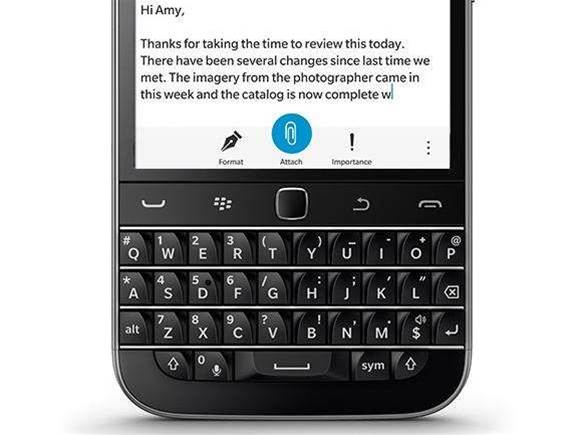 The BlackBerry Classic is a bold leap into the past