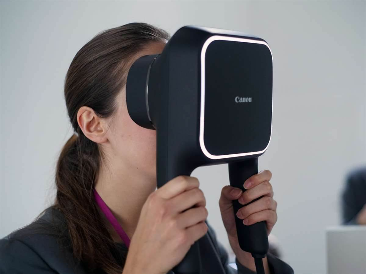 Hands-on Preview: Canon's handheld VR headset