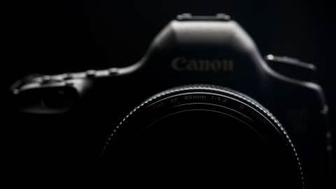 Canon's bonkers 250-megapixel camera sensor can take photos of objects 11 miles away