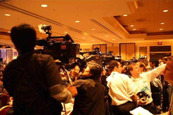 Floodgates to open for Android, laptops at CES