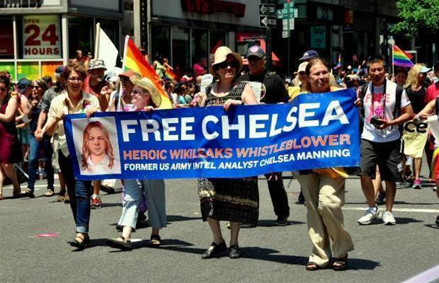 Julian Assange promises US extradition in light of Chelsea Manning clemency