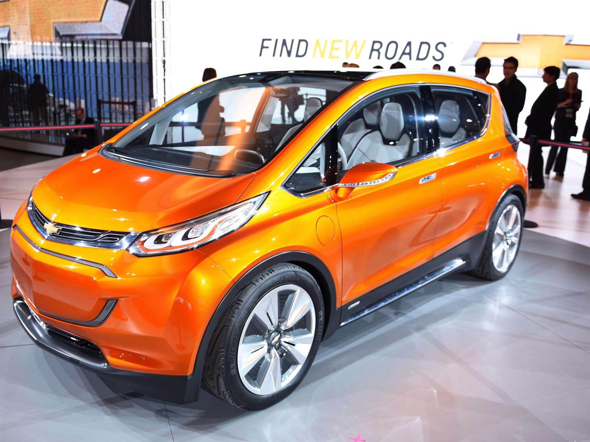 2015 Detroit Auto Show: Chevy's Bolt Could Beat Tesla Motors By More Than a Year