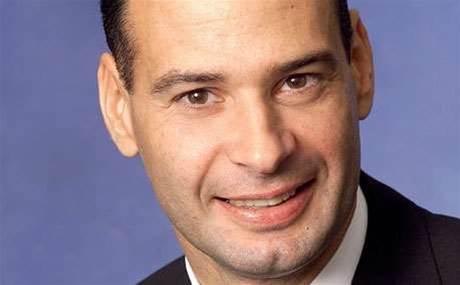Schneider nabs 12-year IBM Australia veteran
