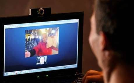 Skype plans 3D video calls