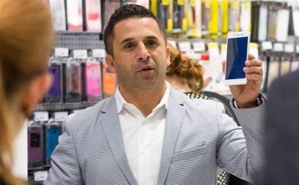 Apple, Samsung... Oppo? Dick Smith adds third kiosk vendor