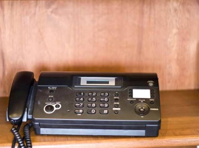 Vic audit office slams fax-based reporting for child safety
