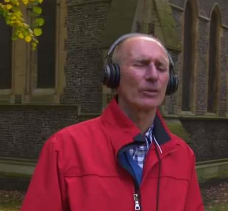 Microsoft uses headphones to aid navigation of blind