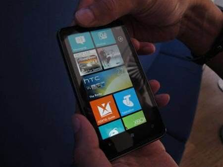 Telstra launches HTC HD7 exclusively