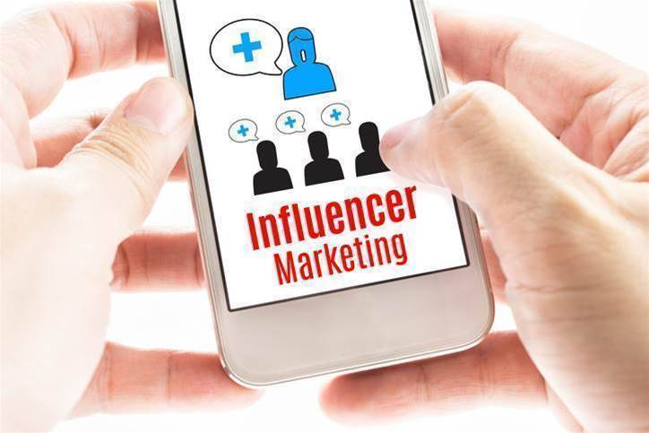 How to reach new customers through social influencers