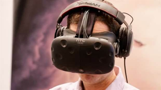 Hands-on Preview: HTC Vive Pre