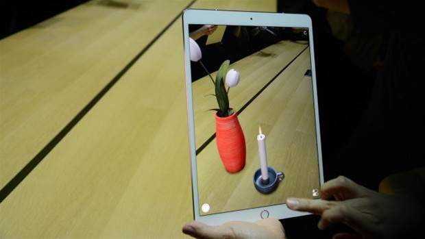 Hands-on Preview: Apple's 10.5-inch iPad Pro: Bye bye bezels