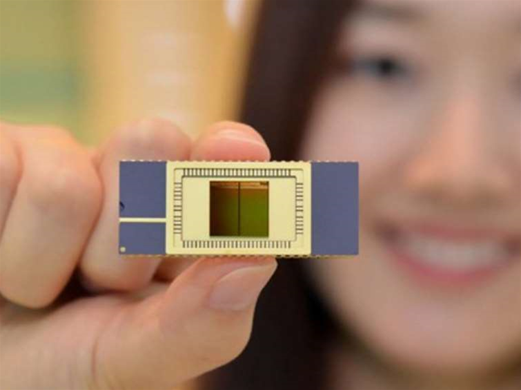 Samsung's 3D NAND flash chips ready for mass production