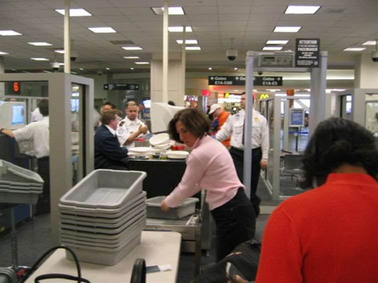 Carry-on electronic devices must be charged for US flights