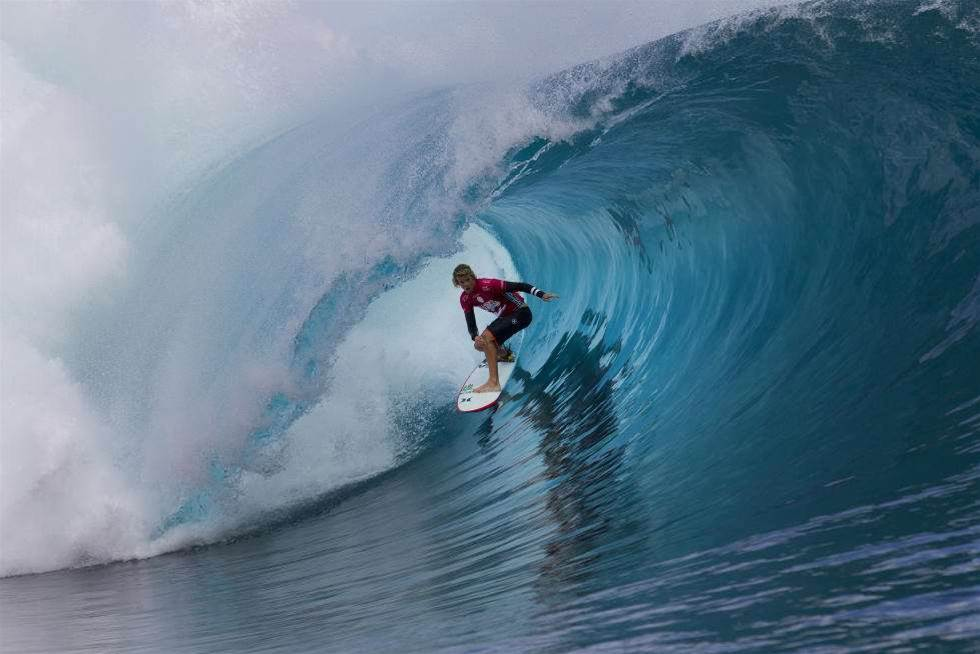5 Surfers with something to prove at Teahupoo