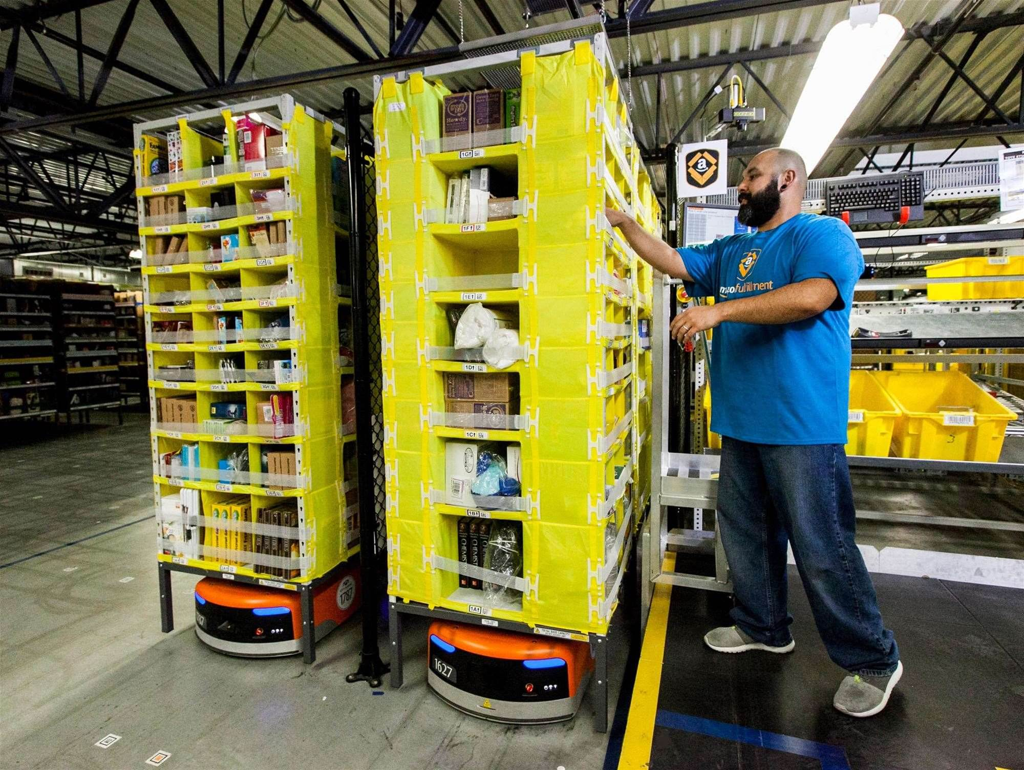 Amazon shows off robot-powered fulfillment centres