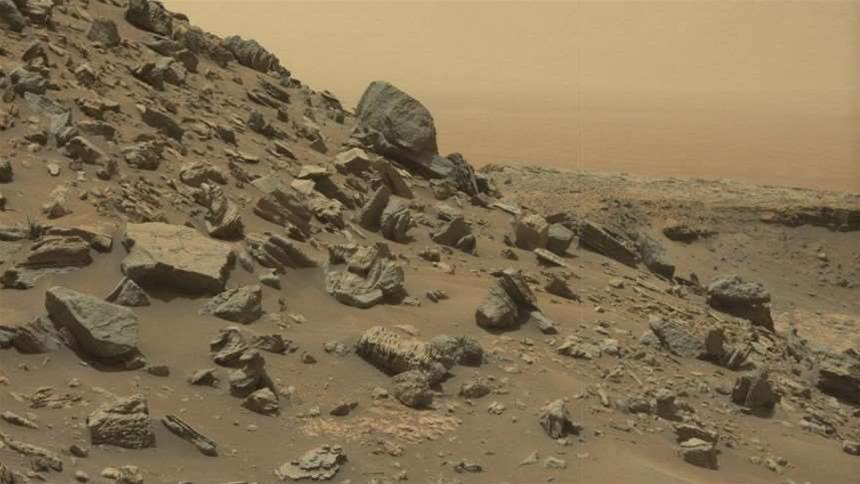 These new pictures of Mars' ancient sandstone cliffs are incredible