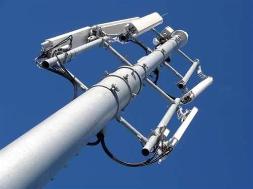 Govt raises 800 MHz prospect for Police broadband