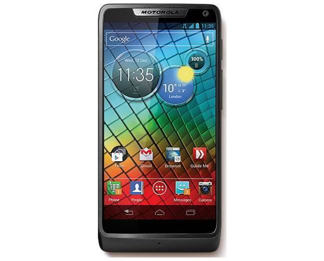 Motorola unveils Intel-powered smartphone