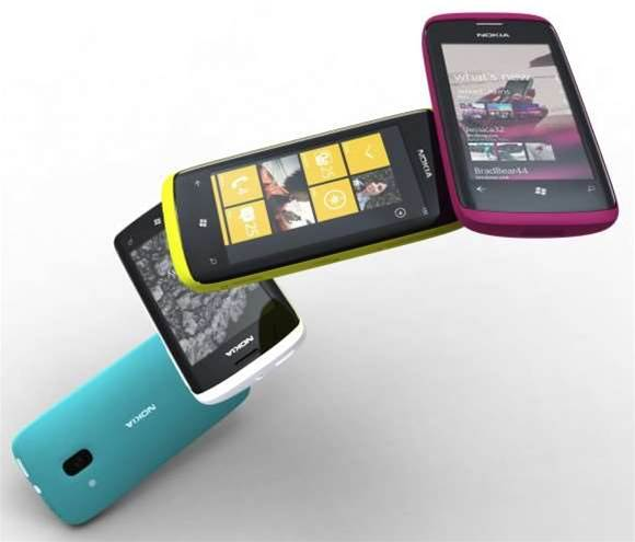 Mango fixes Windows Phone data flaw, adds another