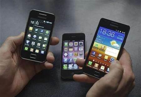 US judge sends Apple, Samsung to settlement talks