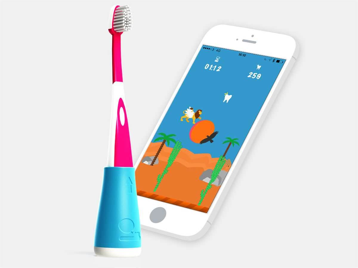 Playbrush dongle turns dental hygiene into a video game