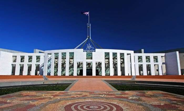 Govt's 457 visa crackdown becomes law