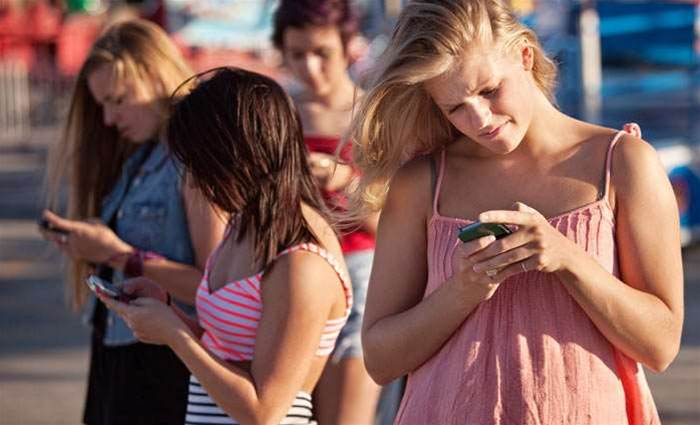 Long-term research shows no health effects from mobiles